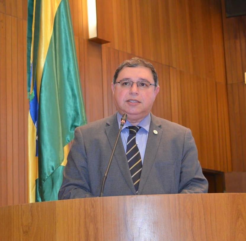 Professor Roberto Brandão homenageia mulheres em seu Dia Internacional