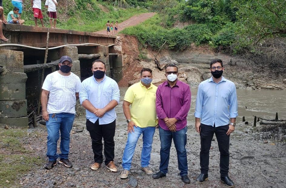 Alcântara-Vereador Miécio Macedo visita comunidade afim de planejar recuperação de ponte danificada de acesso na região
