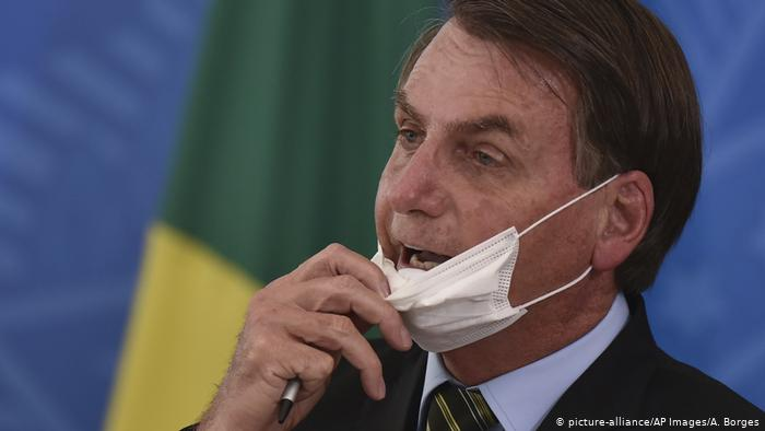 Bolsonaro diz, TCU põe em dúvida 50% das mortes por covid-19