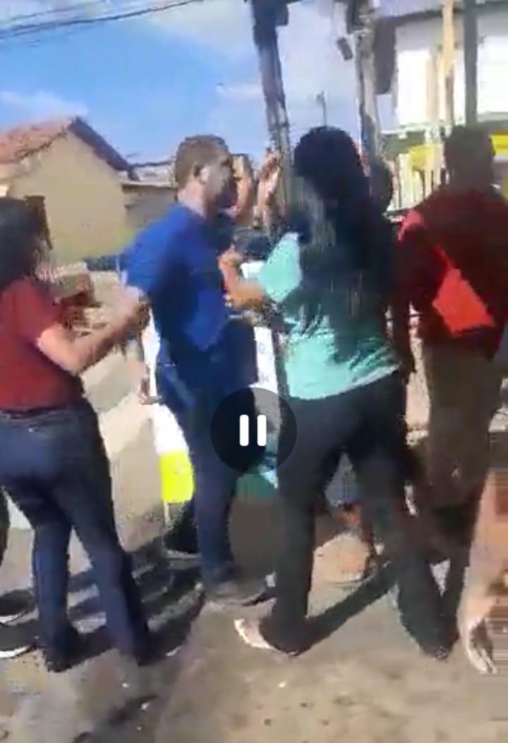 Vídeo: Vereador de São Luis, enfurecido se envolve em confusão e parte pra cima da população