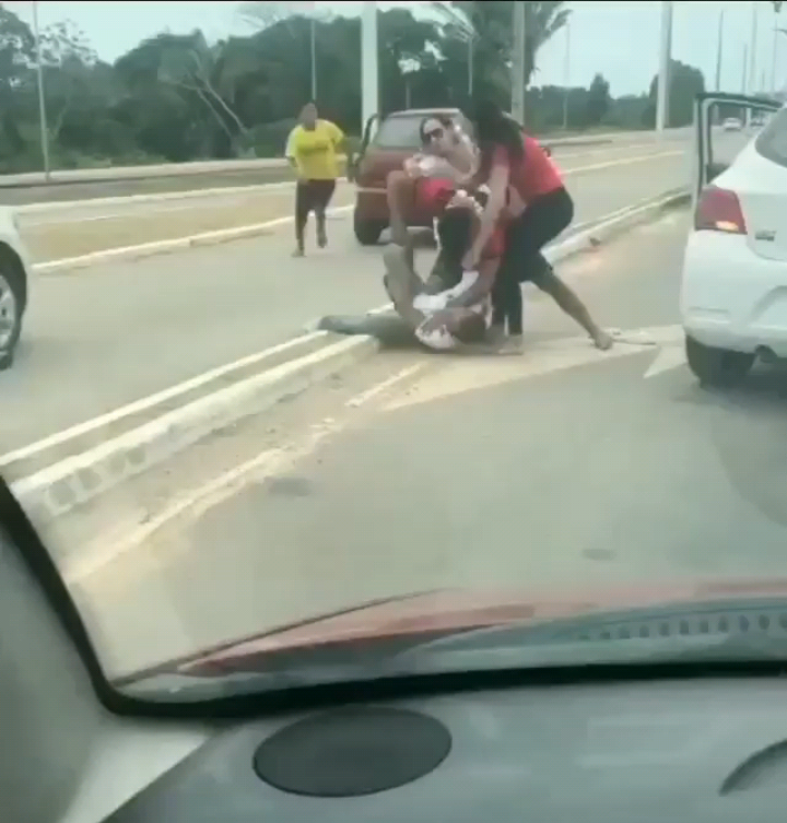 Violência: briga com socos e pontapés é registrada por leitor no meio da MA-203; veja o vídeo
