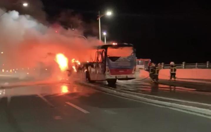 São Luís – Em menos de dez dias dois ônibus pega fogo nas avenidas capital